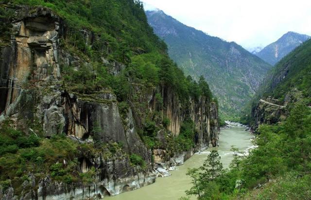 环线行摄怒江大峡谷丙中洛独龙江,走进人神共居之地