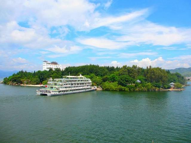 行摄昆明卡斯特南诏石林,登丽江风情公园岛,游大理拉市海湿地攻略的曙光最后魔兽奇观图片