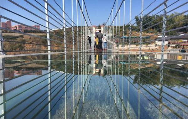 挑战玻璃桥 不用去张家界,挑战杭州第一座玻璃桥