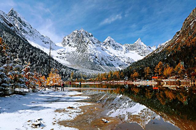 逐色暖冬,来色达毕棚沟带您温情赏雪