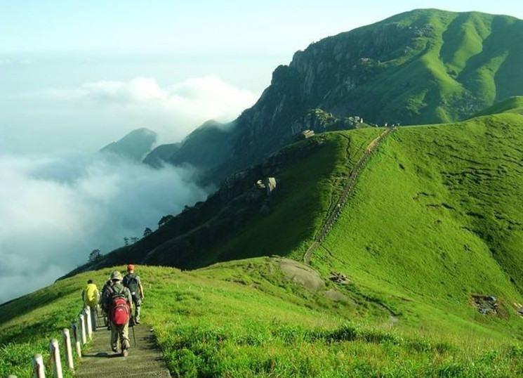 五一假期江西武功山人间仙境天上草原徒步观云海日出日落奇观三天游