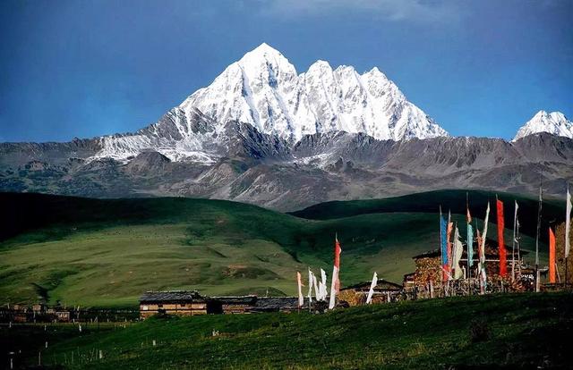 川西高原远征营,大熊猫零距离,古老藏寨文化,高原雪山之行始于足下!