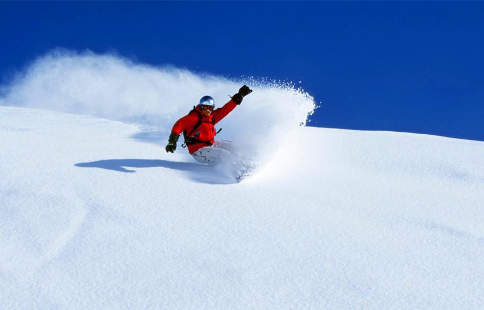 莲花山滑雪每周末发车