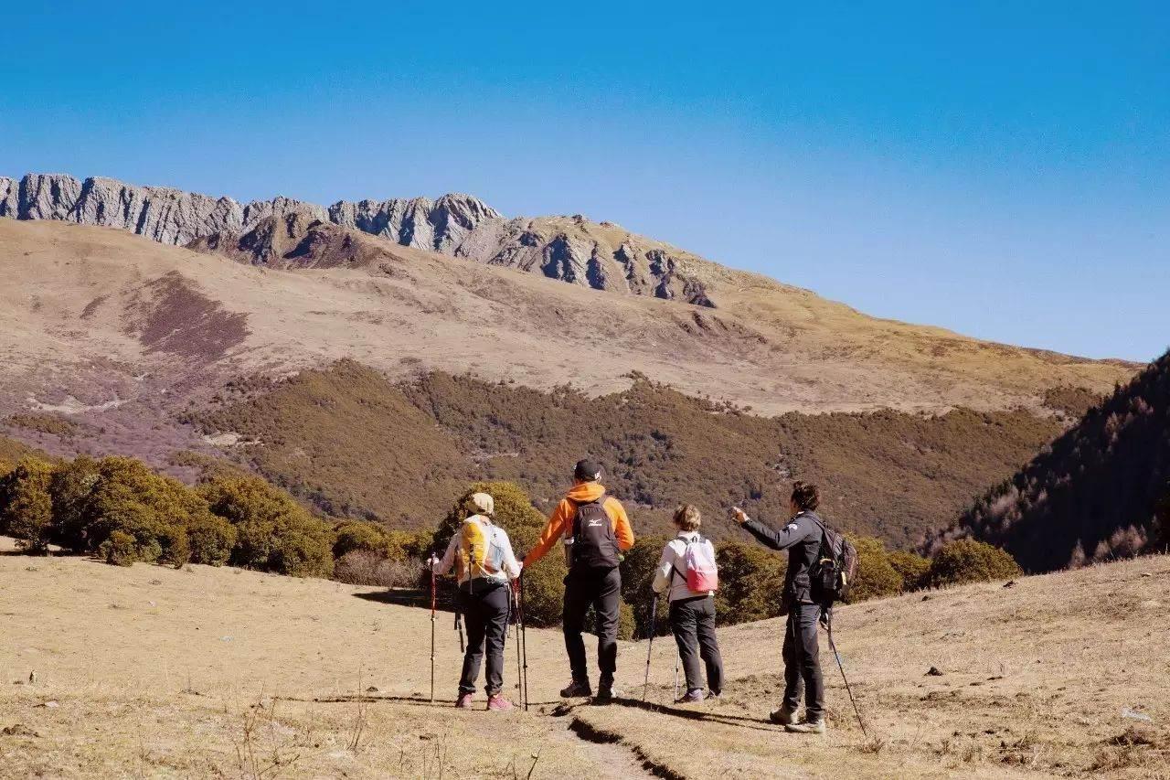 金秋周末四姑娘山大峰攀登5000米