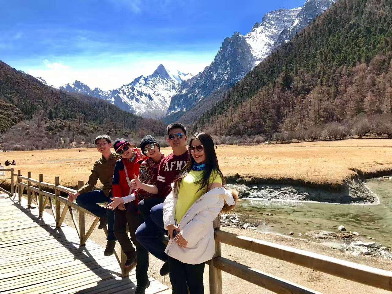 徒步雨崩稻城亚丁梅里雪山,穿越滇藏川大环线