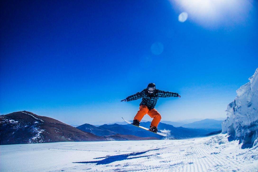 玉龙湾滑雪场,免费教学,全天不限时超值滑雪