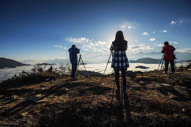 观醉美观景平台,在悠然的风景中行摄四人同
