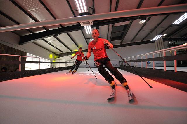 雪乐山室内滑雪体验券,畅滑来去自如