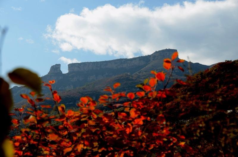 坡峰岭登山赏红叶徒步穿越