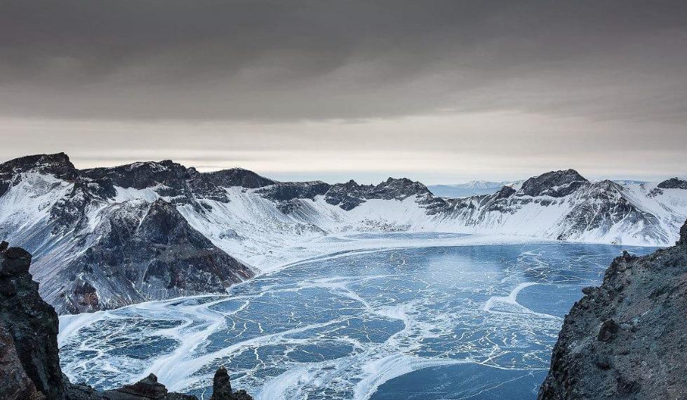 长白山天池聆听寒冬足音,期遇冰雪雕刻的梦