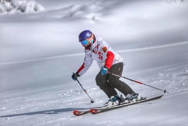 鹧鸪山冰雪世界●滑雪耍雪●温泉两天