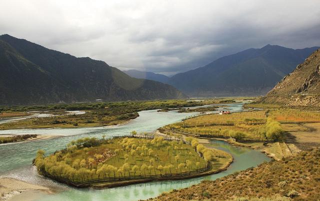 越野车自驾出行,行摄然乌湖来古冰川,穿越秘境看真正雅江大峡谷