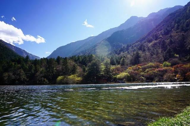 牛背山观日照金山,海螺沟鸟瞰冰川与森林,康定木格措行摄之旅