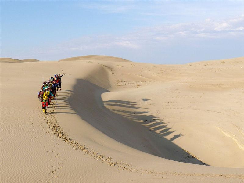 塔敏查干沙漠轻装穿越