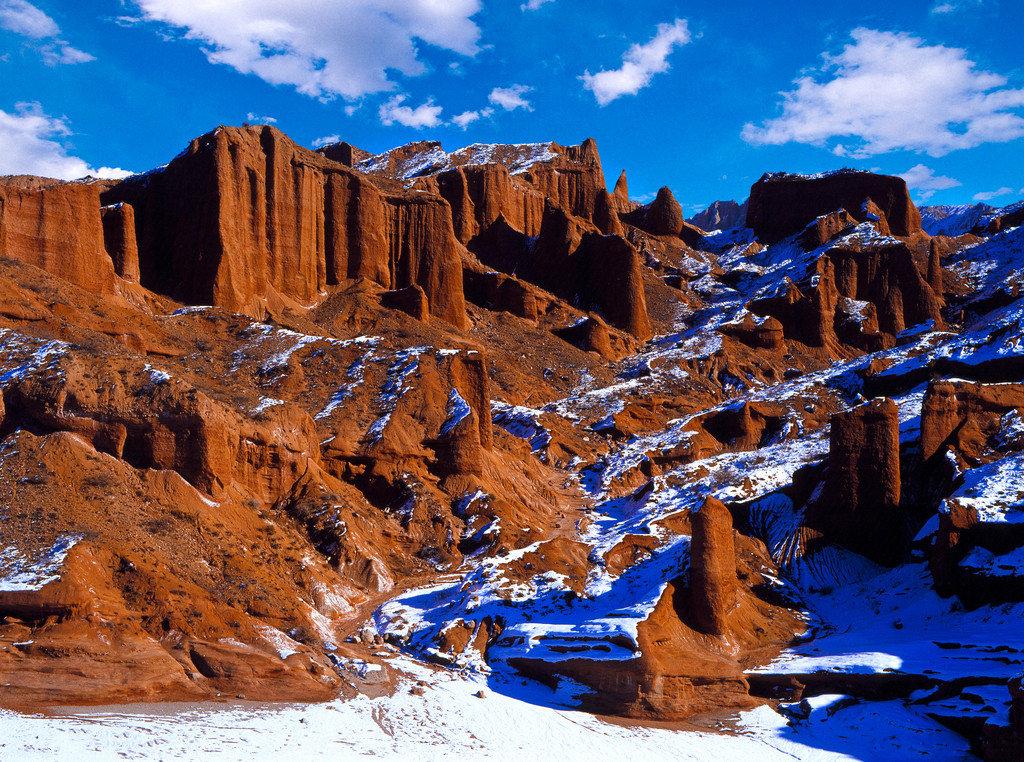 远山呼唤帕米尔,驼铃古道入南疆,你将踏足十种地形
