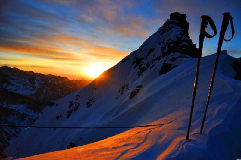 攀登四姑娘山大峰,领略巴朗山自然风光
