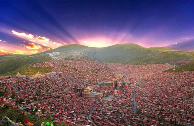 色达亚青寺德格印经院藏文化巡礼,新路海丹巴藏寨扎溪卡大草原行摄之旅