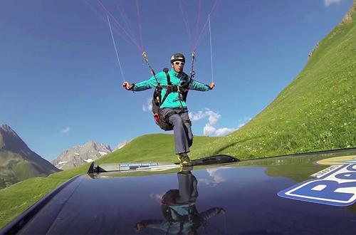 背上滑翔伞,从法国阿尔卑斯飞到了南非
