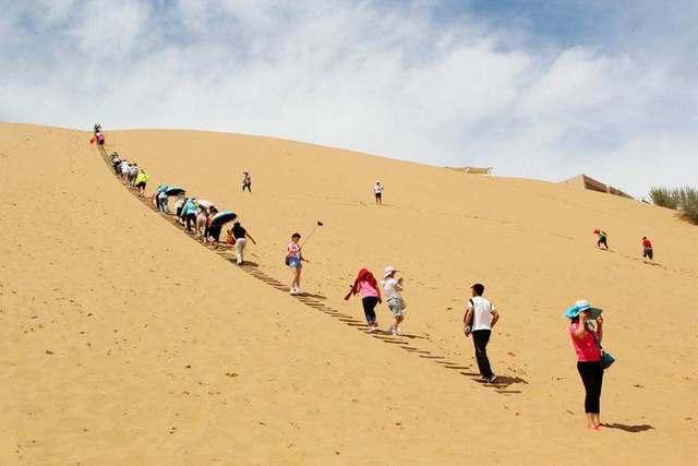 库布齐沙漠徒步,感受大漠的壮阔