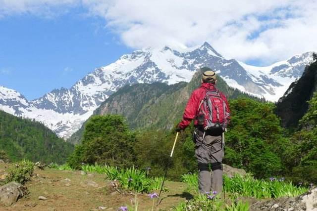 徒步雨崩,探访原始村落世外桃园雨崩村,感受藏族风土人情
