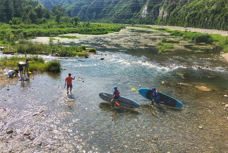 向水而生,划着桨板,来次旅行