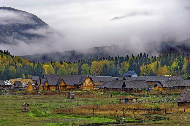 神的花园喀纳斯,东方瑞士禾木,蓝眼泪赛里木湖,北疆环游大环线让你过目难忘
