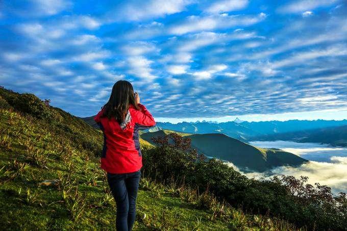 达瓦更扎行摄云海雪山,赏神木垒美妙原始风貌