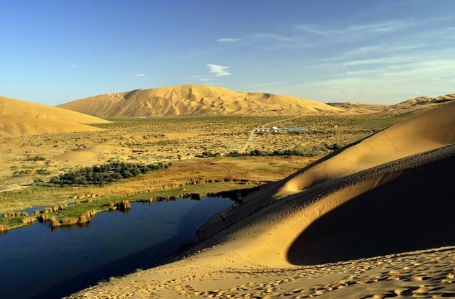乌兰布和沙漠徒步穿越,探秘驼盐古道
