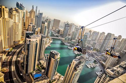 城市高楼索道跳伞,胆子不肥都不敢玩