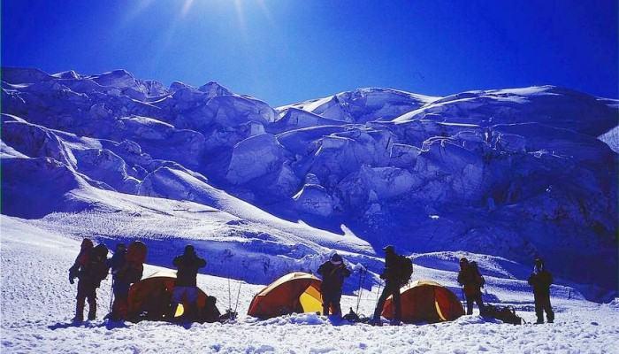 登顶哈巴雪山,用一座雪山暂别日常