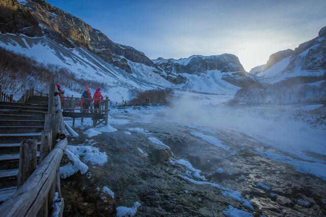 亚布力万科双次滑雪,雪乡林海雪原穿越,行摄长白山魔界雾凇岛