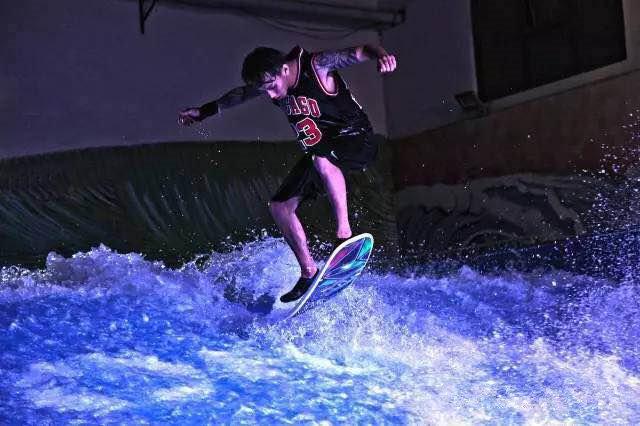 冲浪体验券,体验驰骋在海浪上的快感