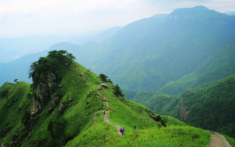 徒步武功山,徜徉八百里高山草甸赏高山云海