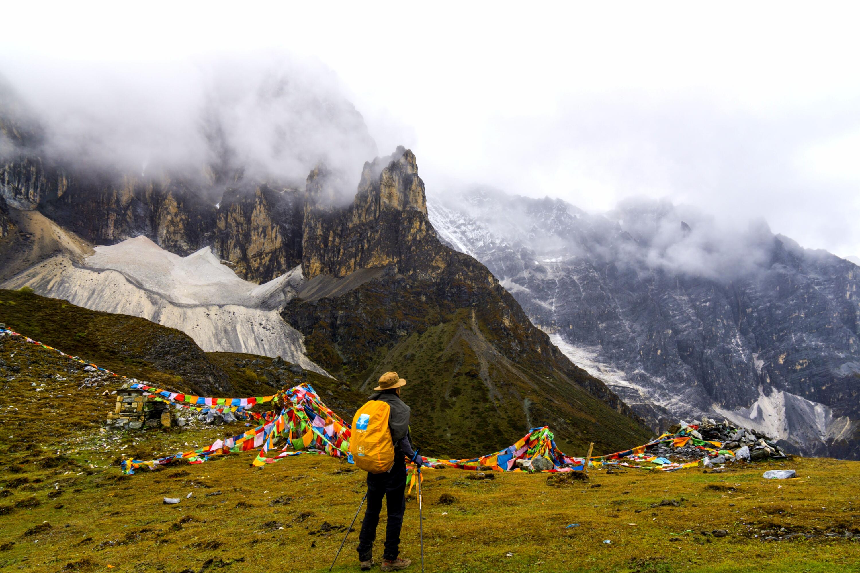 尼汝亚丁穿越,行走在天堂和地狱之间,挑战中国顶级徒步线路
