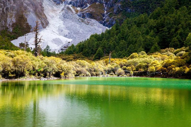 自驾行摄稻城亚丁然乌湖,米堆冰川巴松措,最美318川藏线,朝圣西藏
