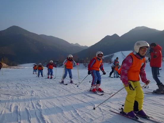 万科石京龙,少儿滑雪冬令营正在招募中......