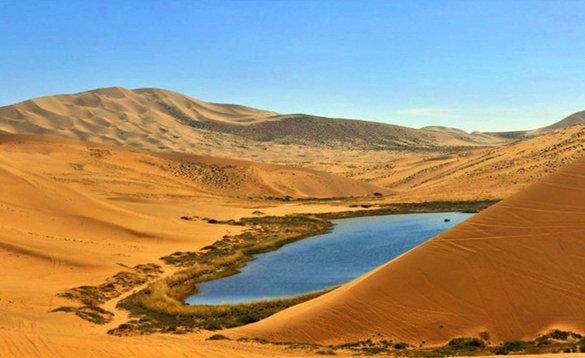 巴丹吉林沙漠徒步,零距离感受它的美