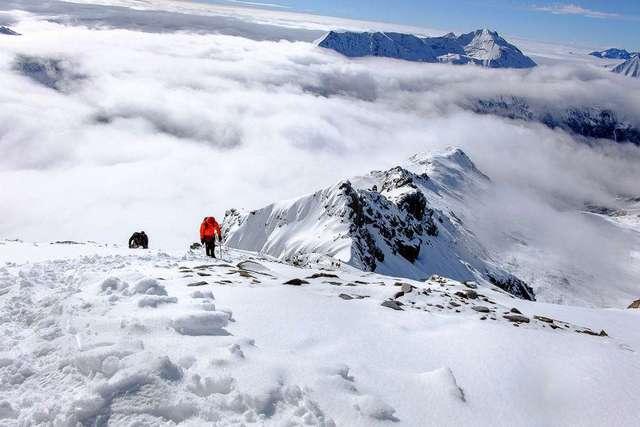 四姑娘山二峰攀登,长毕穿越,征服自然与自我的绝妙线路