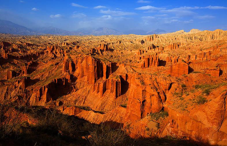 漫步天山大峡谷,赏南疆美景奇观