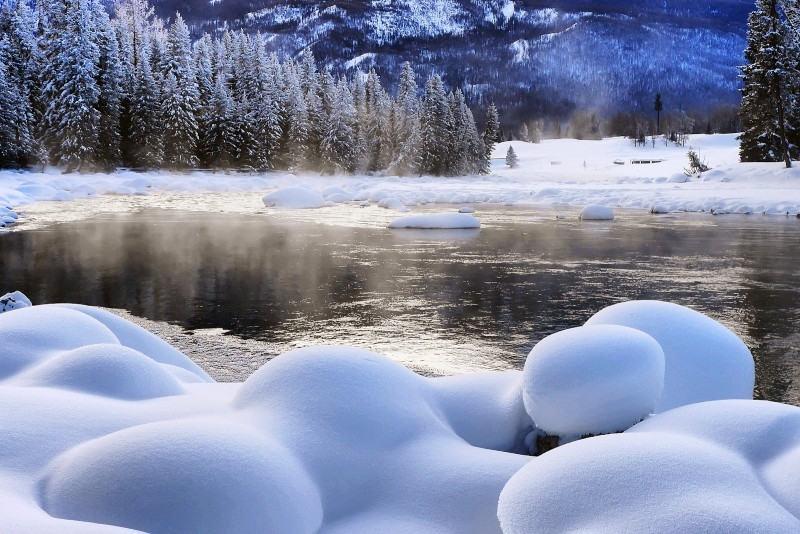银装素裹,静谧纯净的童话世界,让你在这个冬天与喀纳斯有个难忘的约会