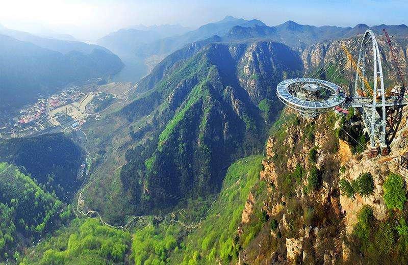 来平谷石林峡挑战世界第一悬空钛合金玻璃观景台