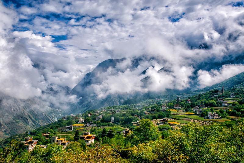 秘境环线A线 川西绝美秘境 莫斯卡 党岭 色达 丹巴藏寨
