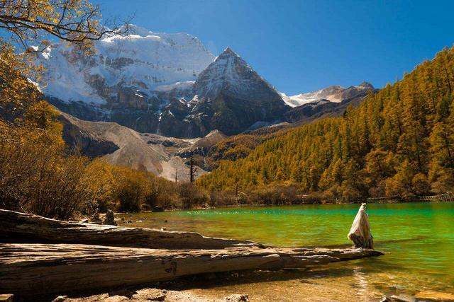 穿越川滇藏,梅里雪山、稻城亚丁、西藏盐井、虎跳峡让你一次看个够