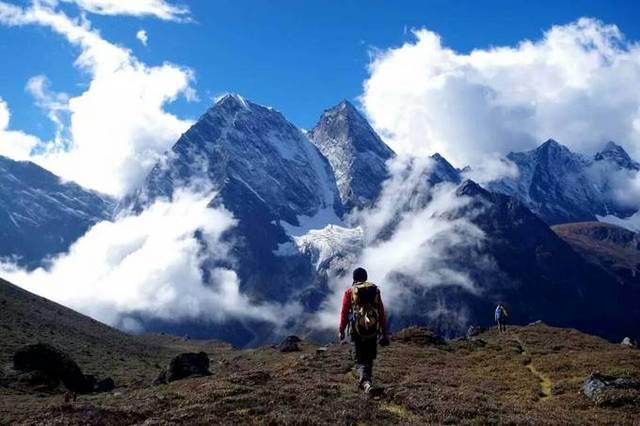 四姑娘三峰攀登,海拔5355米的终极挑战