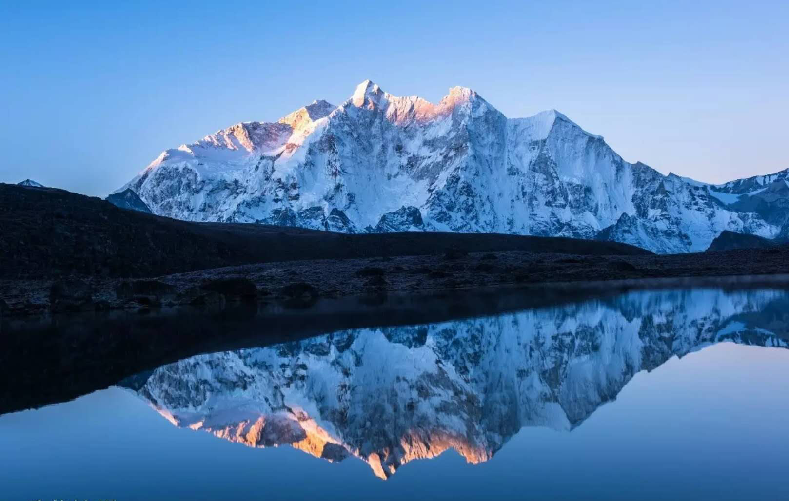 徒步珠峰东坡,探索最美山谷嘎玛沟
