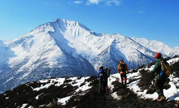 四姑娘山二峰入门级雪山攀登体验