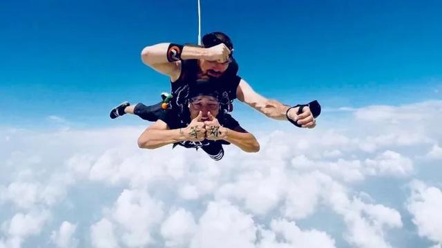 千岛湖双人跳伞体验,一个非常厉害的装X神技