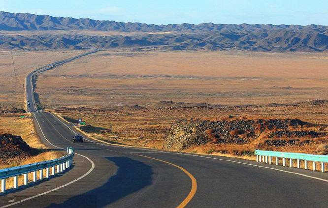 自驾环游南疆,领略塔克拉玛干沙漠的辽阔,胡杨林的壮美,古国民俗风光