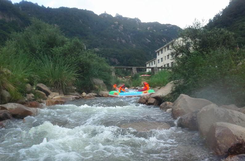 小黄山大峡谷,体验刺激漂流
