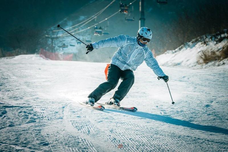 莲花山滑雪场,全新雪具,新手免费教学